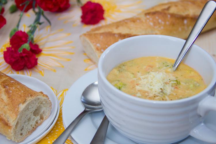 Skinny-Broccoli-Cheddar-Soup
