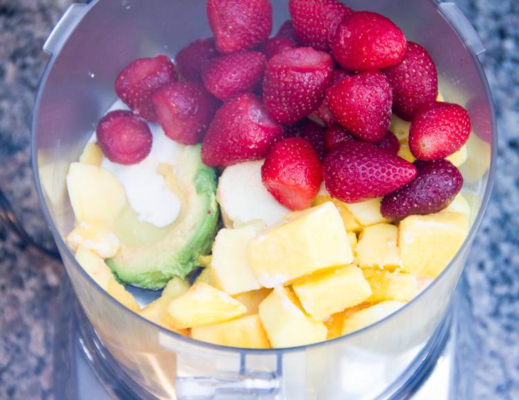 blending-a-fruit-smoothie