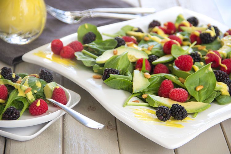 Fresh-Summer-Avocado-Berry-Salad