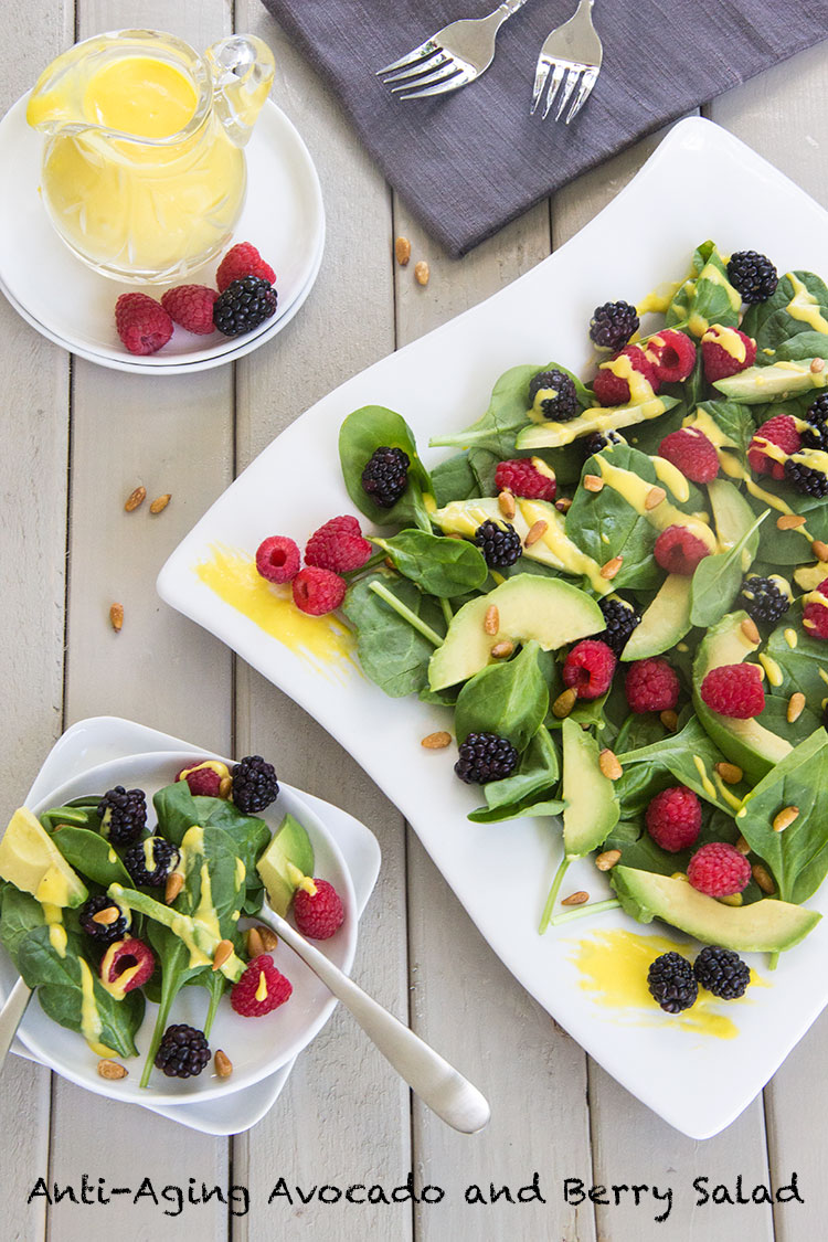 Healthy-Avocado-and-Berry-Salad