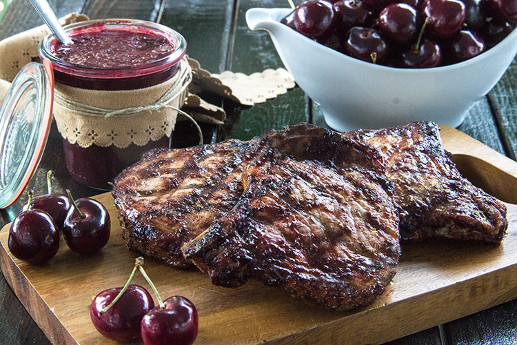 5-Minute-Homemade-Cherry-Barbecue-Sauce-for-Grilled-Chicken-or-Pork