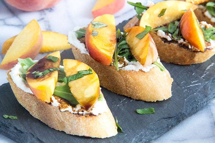 Peach-Crostini-with-Feta