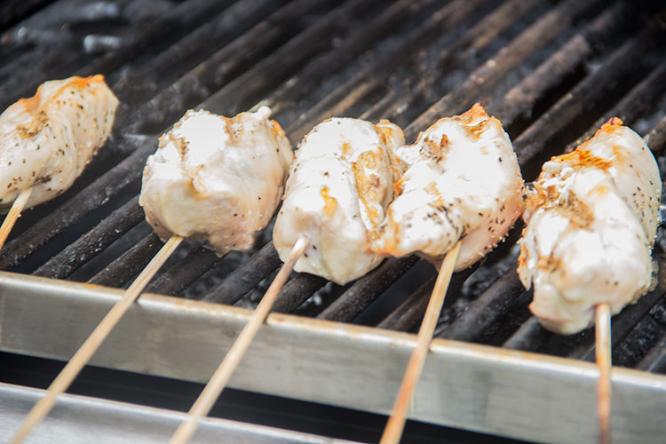 grilling-chicken-skewers