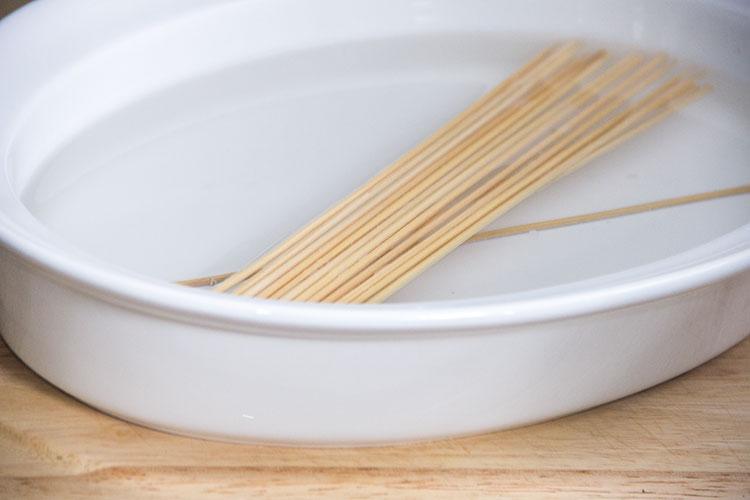 soaking-wooden-skewers