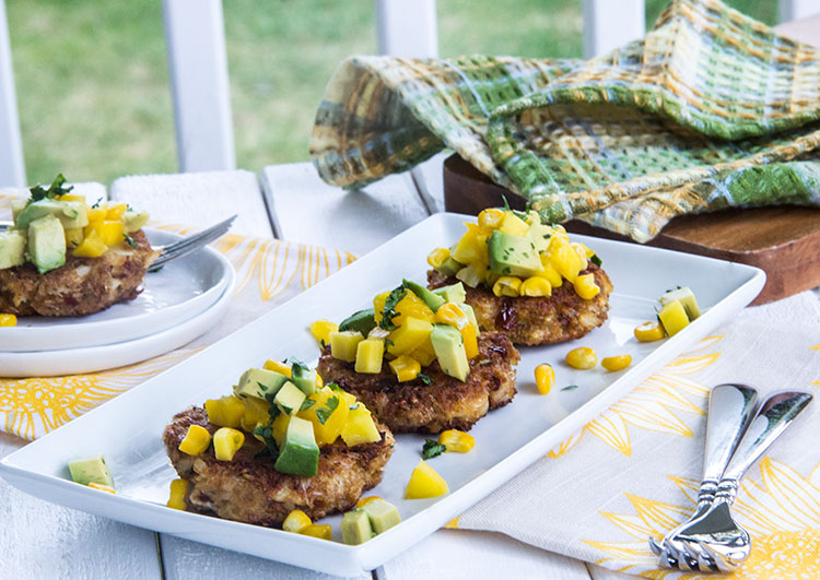 Chipotle-Crab-Cakes-with-Avocado-Mango-Salsa
