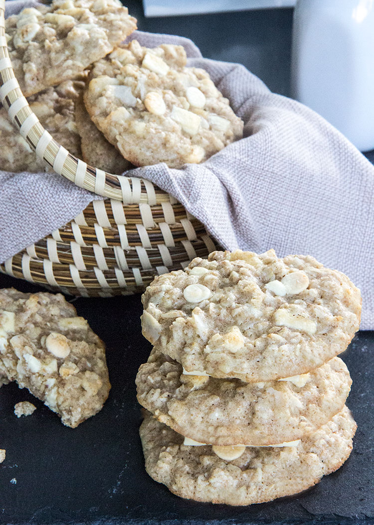 Coconut-Oatmeal-Cookies-with-Macadamia-Nuts-and-White-Chocolate-Chunks