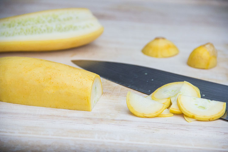 slicing-summer-squash