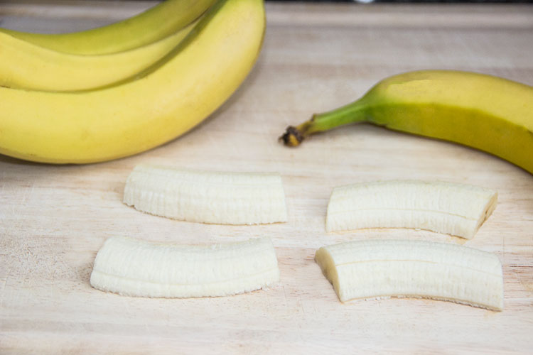 slicing-bananas