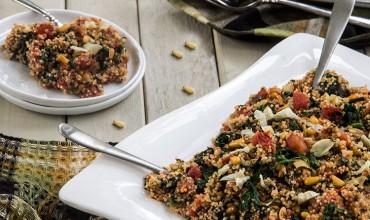 Mediterranean-Tomato-Quinoa-with-Spinach-and-Artichokes