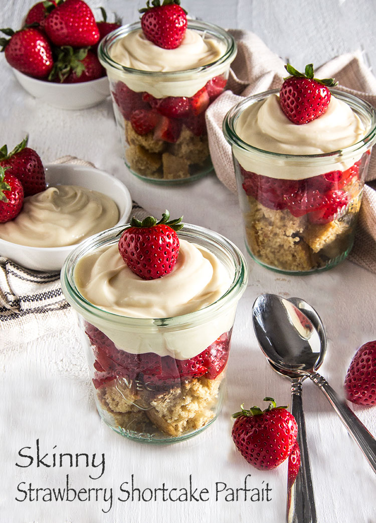 Skinny-Shortcake-Parfait-with-Strawberrries
