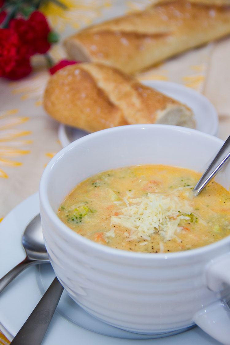 Skinny-Broccoli-Cheddar-Cheese-Soup