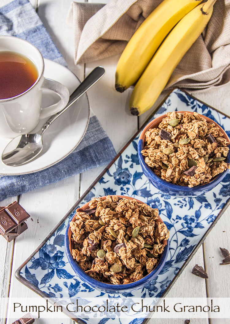 Pumpkin-Granola-with-Chocolate-Chips