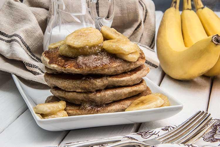 Coconut-Vegan-Pancakes-with-Bananas