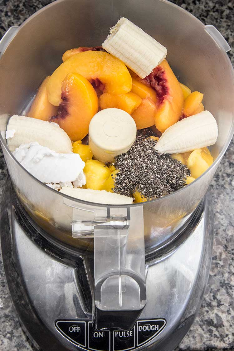 preparing-peach-smoothie