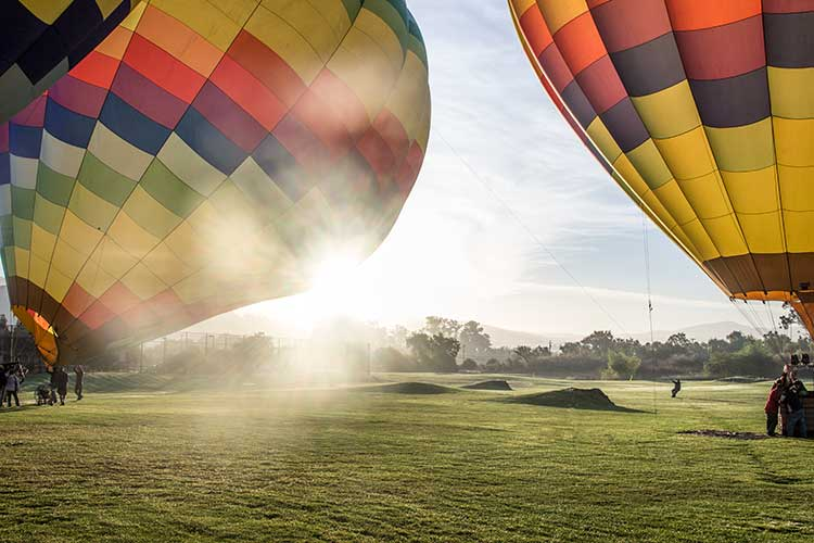 Napa-Valley-Vacation-Hot-Air-Balloon-Lifting-Off