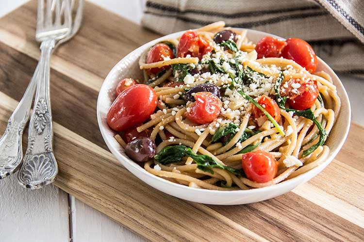 Easy-Greek-Pasta-with-Tomatoes-and-Feta