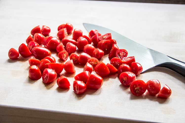 slicing-cherry-tomatoes