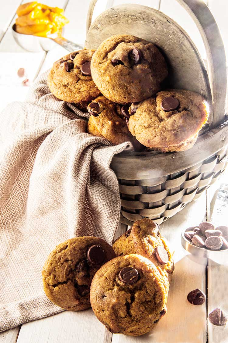 Mini-Chocolate-Chip-Pumpkin-Muffins-Recipe