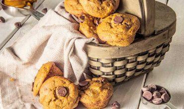 Mini-Chocolate-Chip-Pumpkin-Muffins
