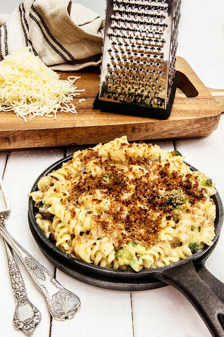 easy-cheesy-broccoli-pasta-bake