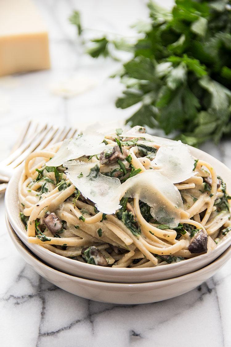 20-Minute-Creamy-Mushroom-Fettuccine-with-Parmesan