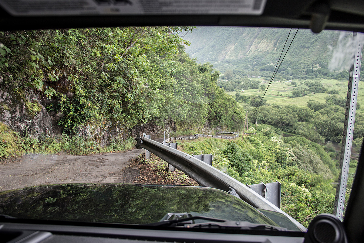The-Road-to-Waipio-Valley