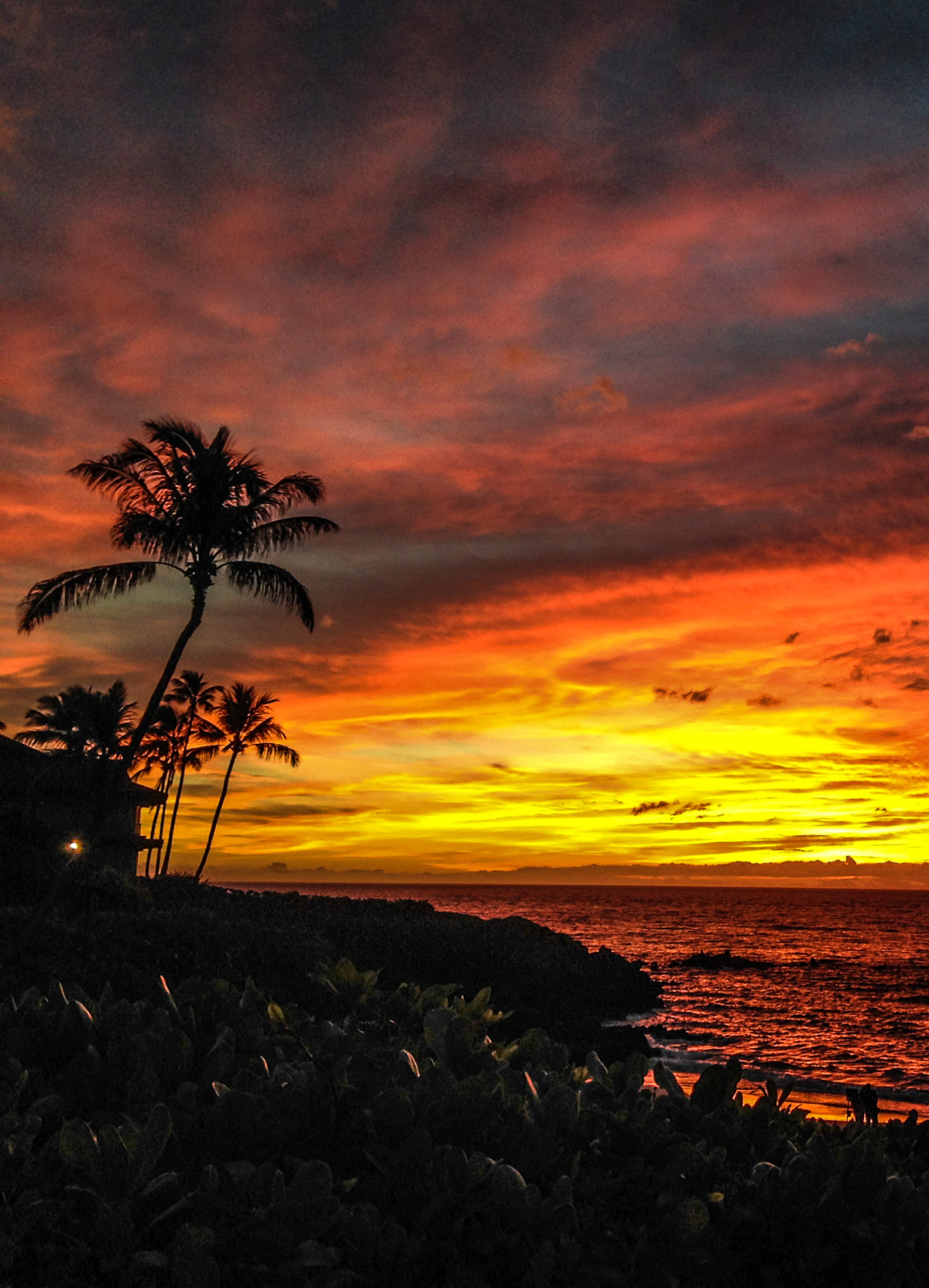 the-amazing-sunsets-at-the-four-seasons-maui