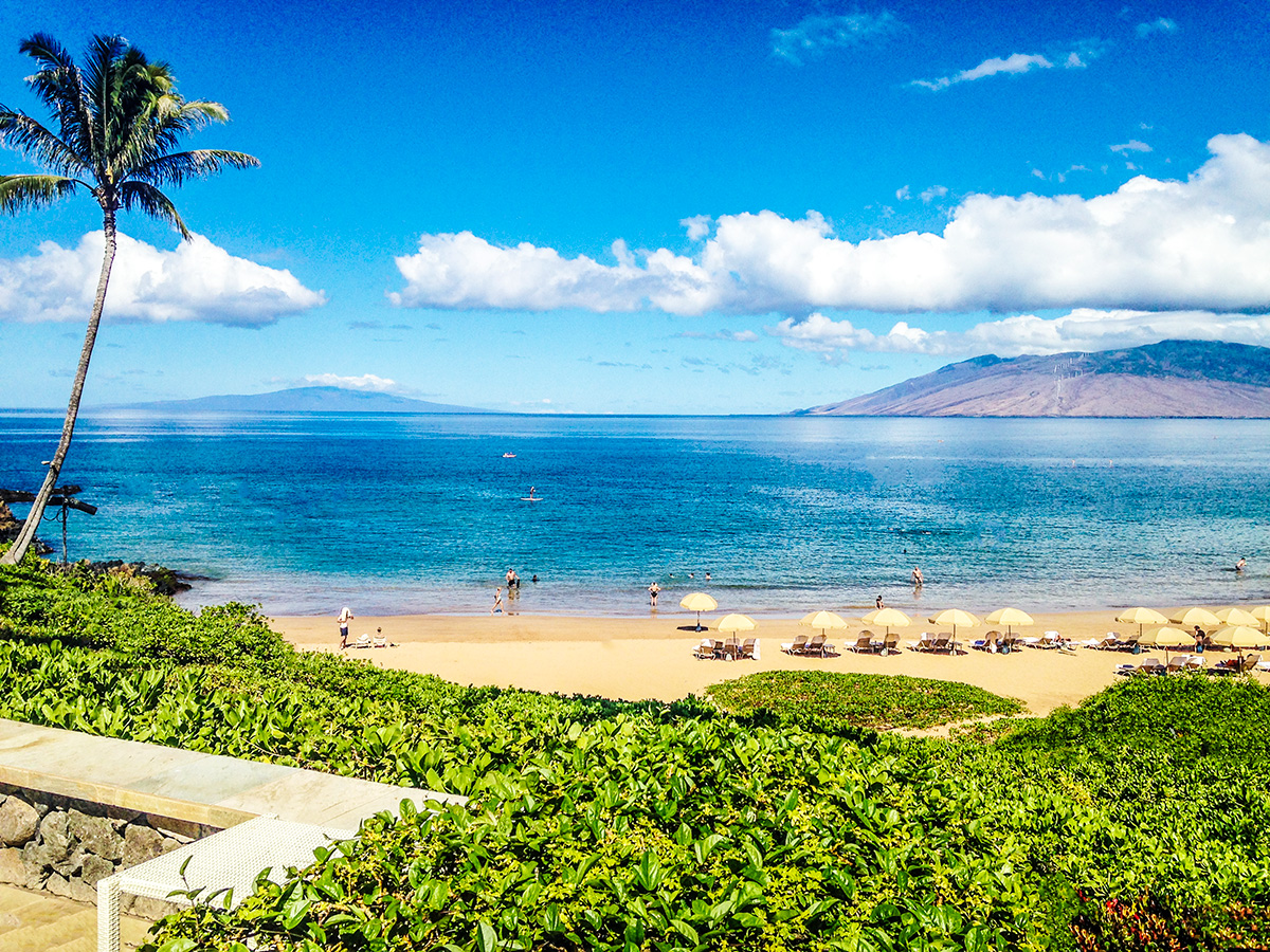 the-beautiful-beach-of-maui-four-seasons