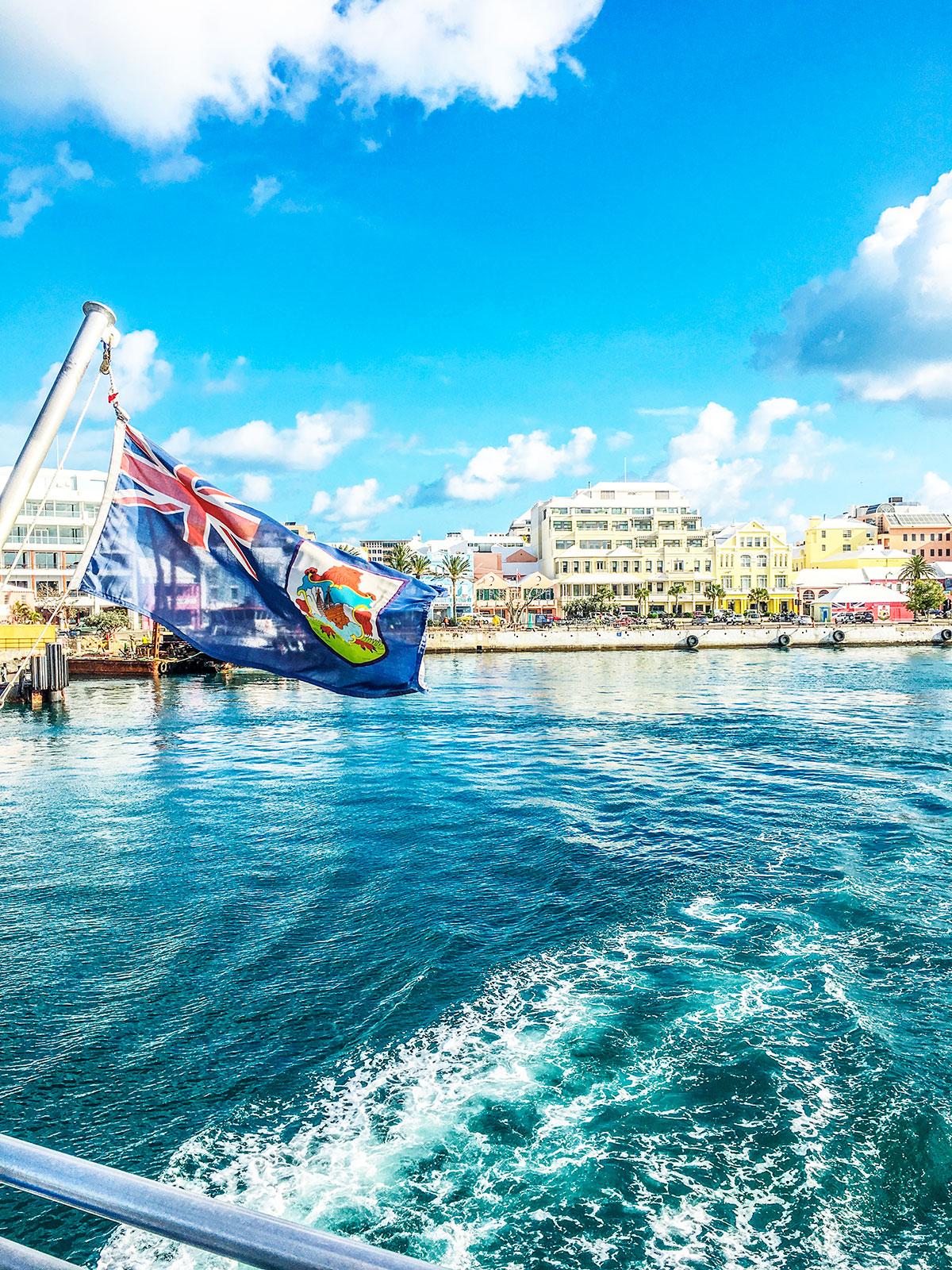 Bermuda-Ferry-view-of-Hamilton