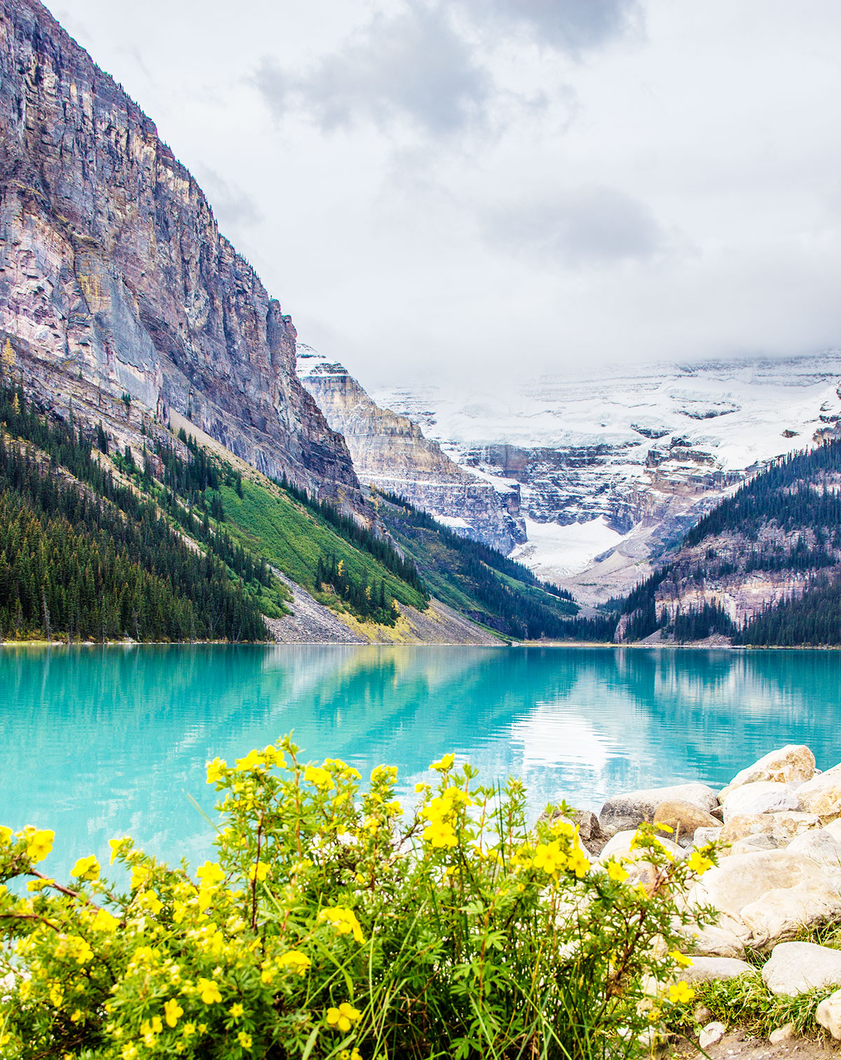 The-Crystal-Glacial-Waters-of-Lake-Louise