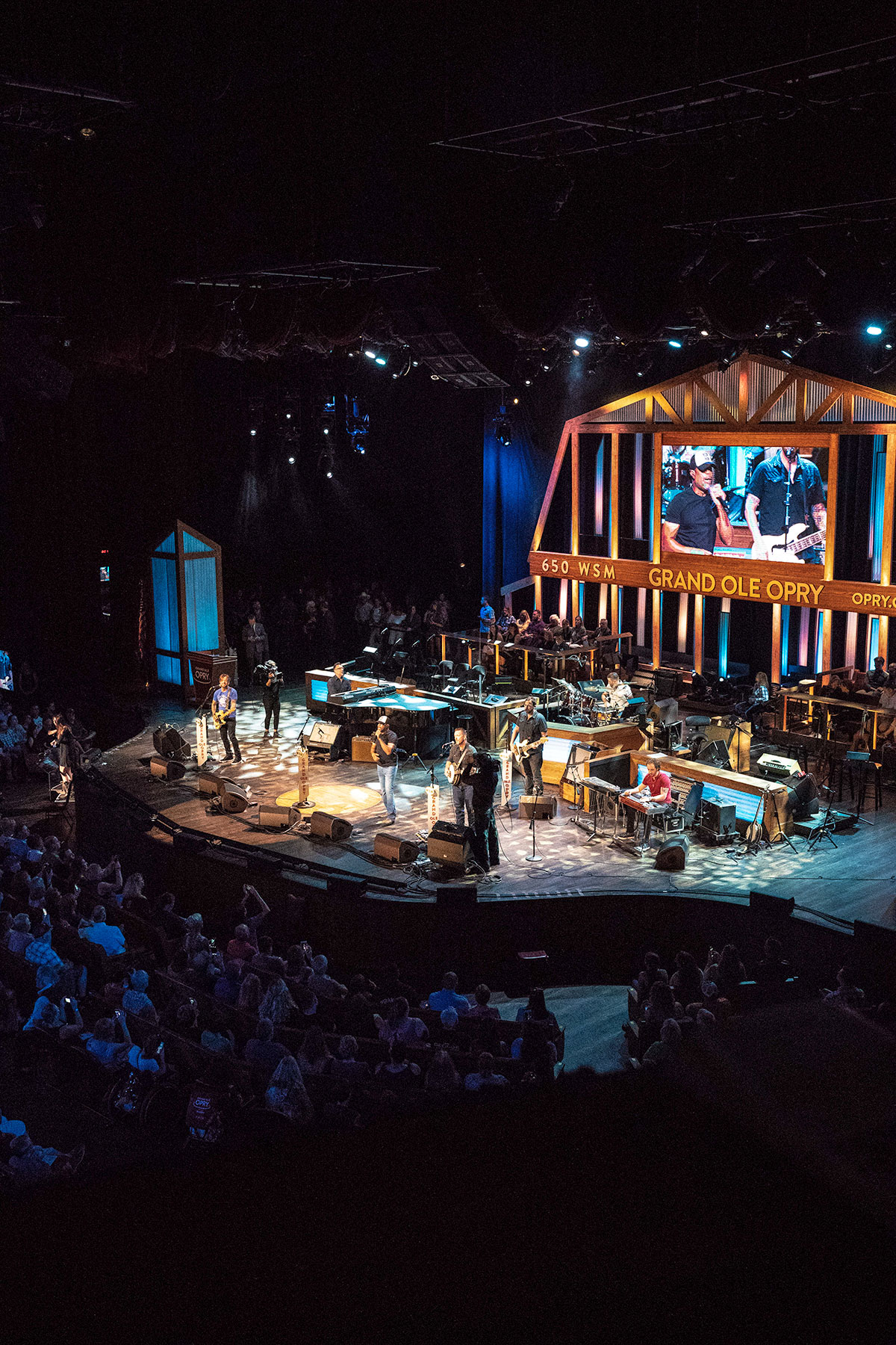 Darius-Rucker-Performing-At-Grand-Old-Opry
