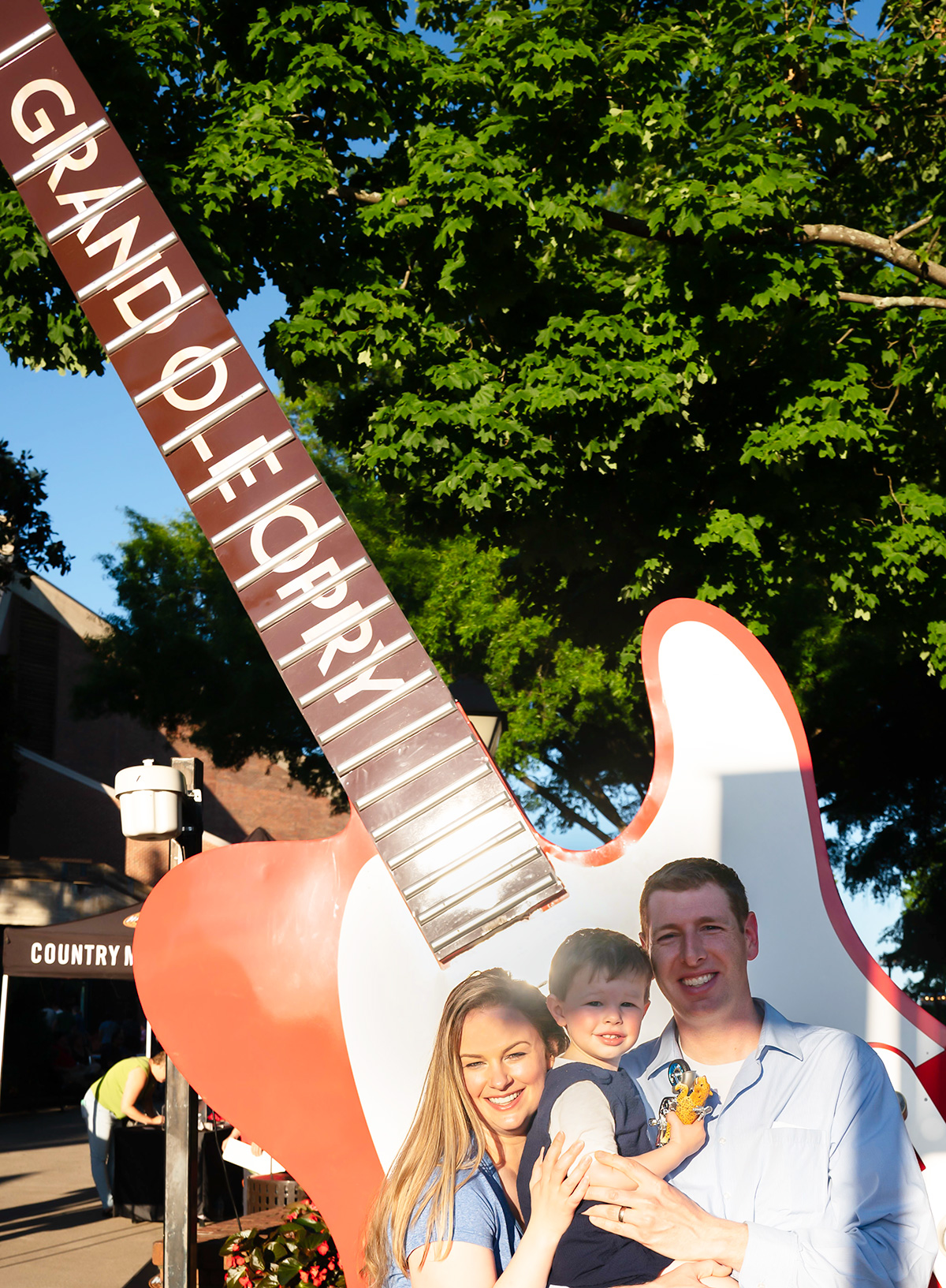 Grand-Ole-Opry-Family-Pic-Nashville
