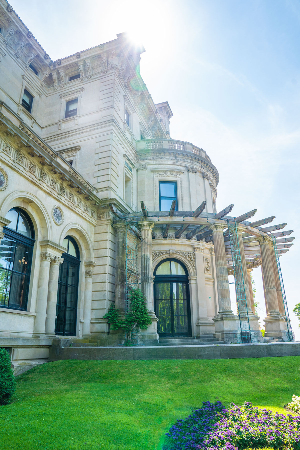 Exploring-Exterior-The-Breakers-Newport