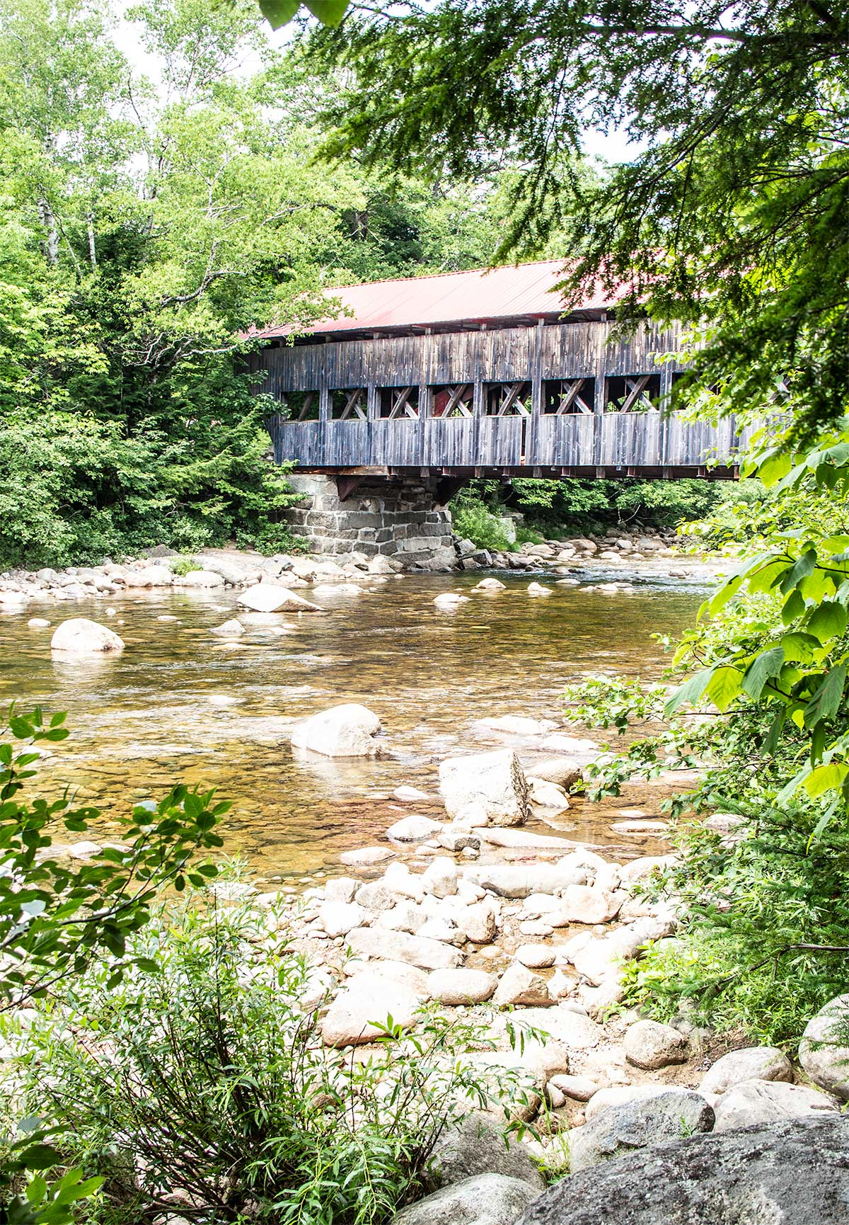 Albany-Covered-Bridge-Kancamagus-Highway-in-White-Mountains