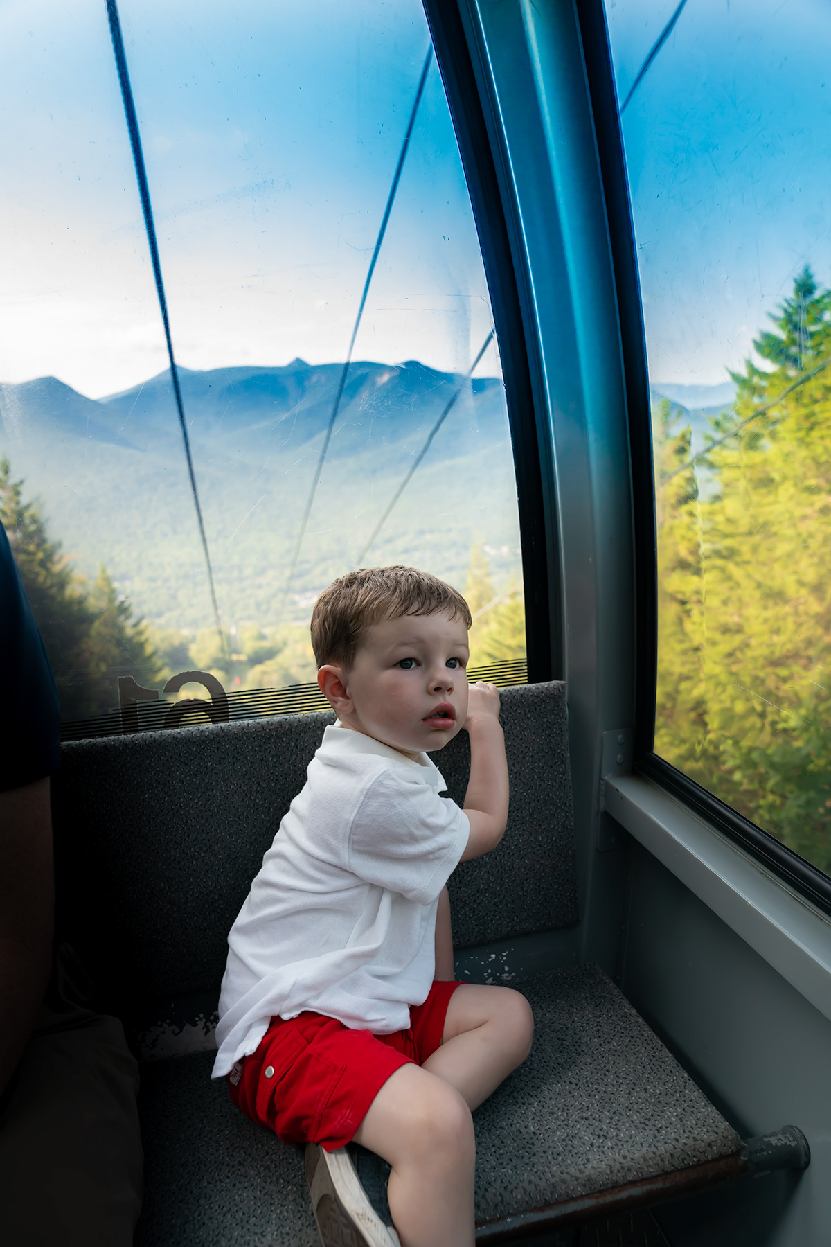 Loon-Mountain-Gondola-Skyride-White-Mountains-NH