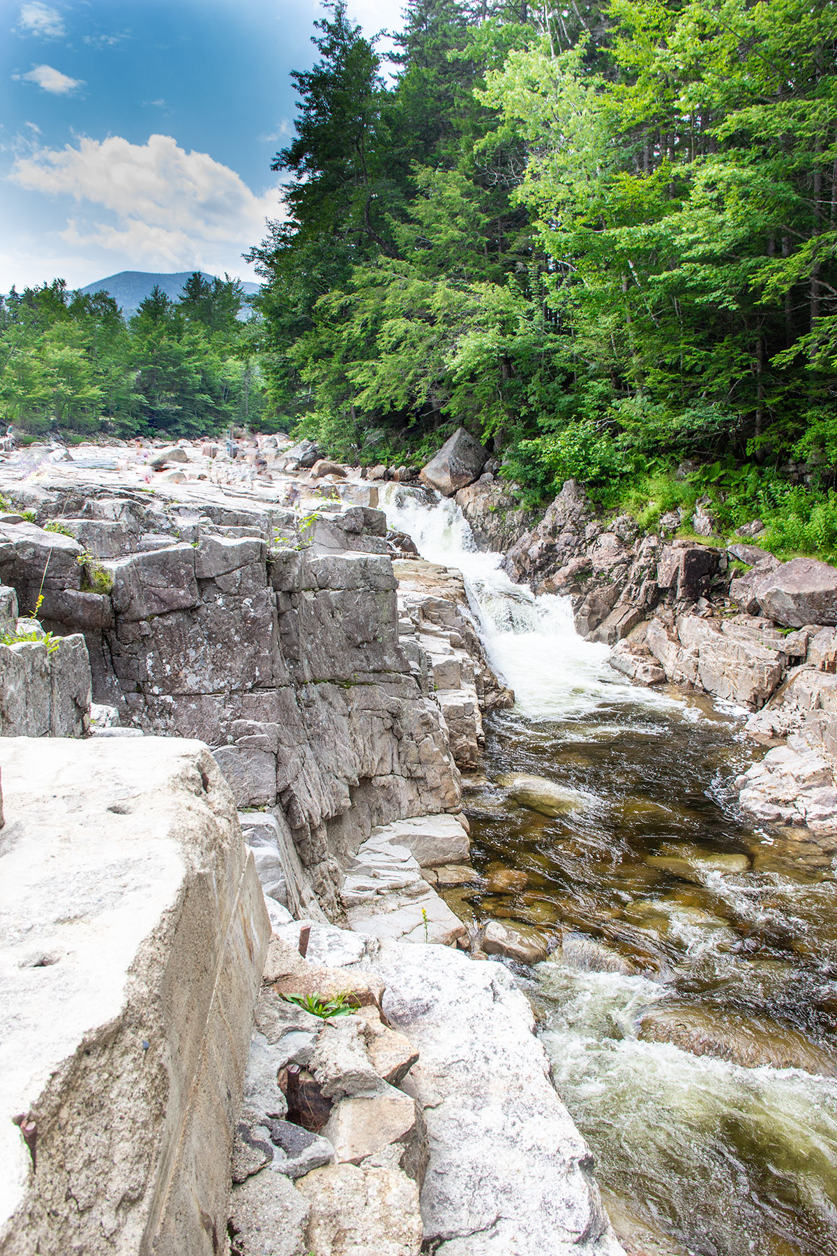 Rocky-Gorge-and-Falls-Pond-Trail-Kancamagus-White-Mountains