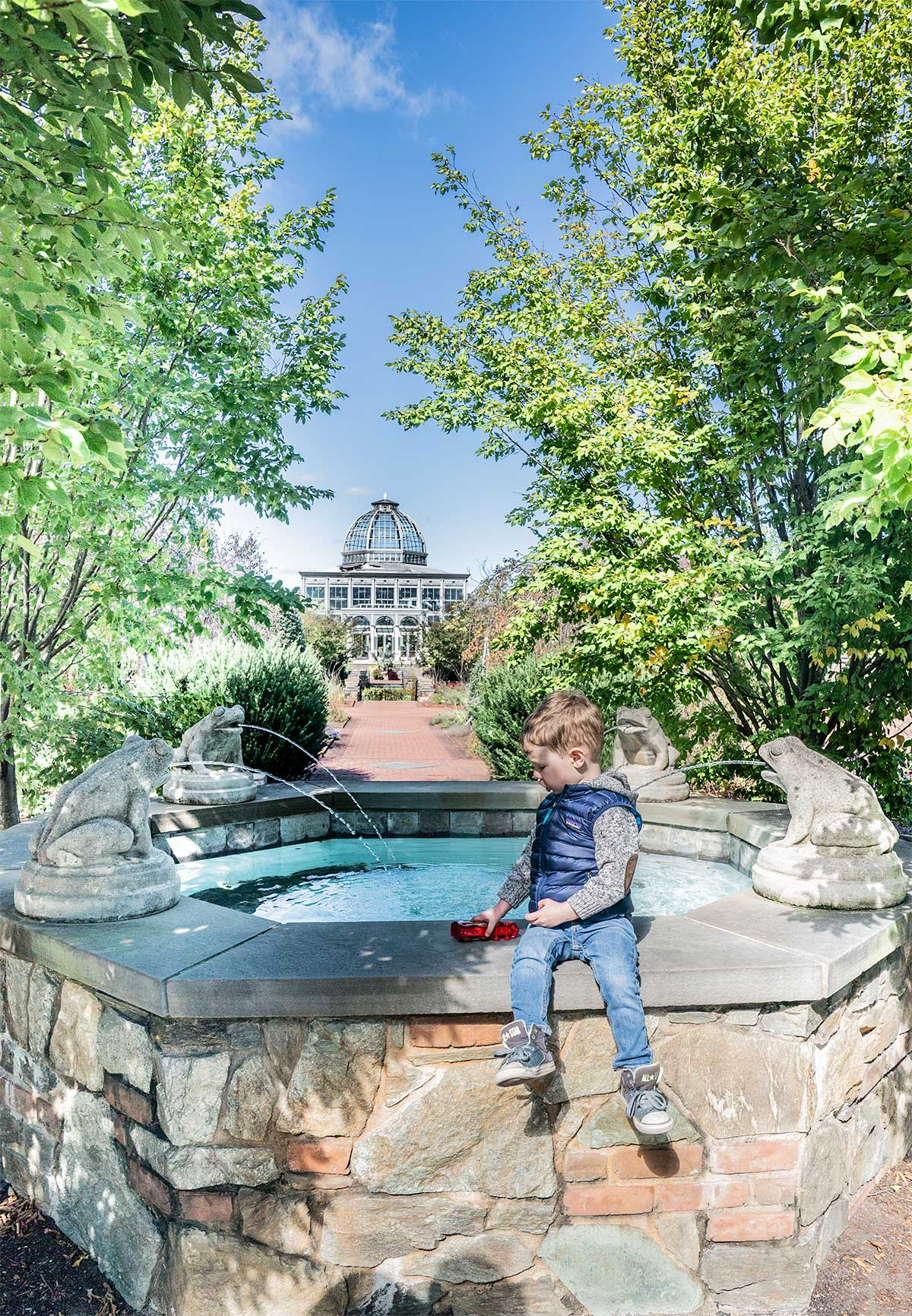 Ginter-Lewis-Botanical-Garden-Fountains-in-Richmond