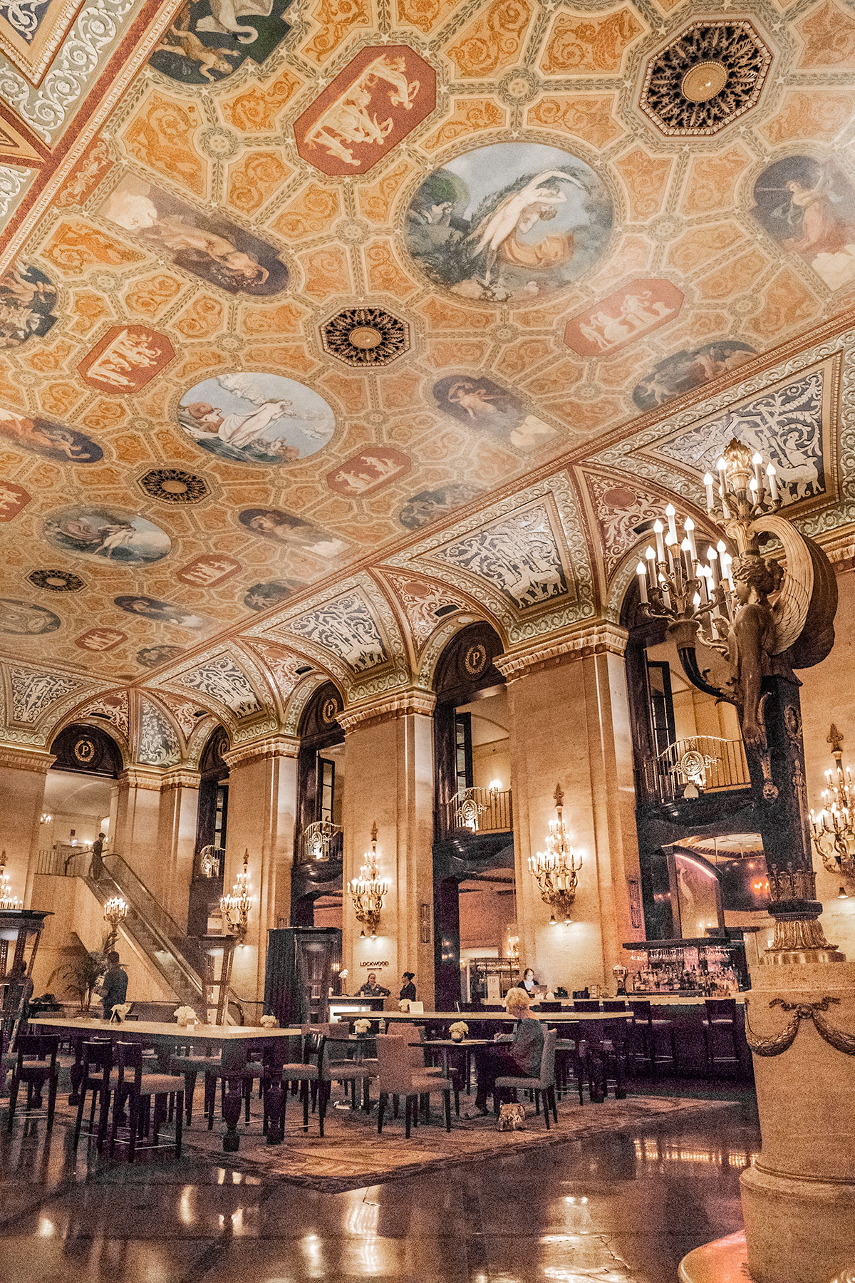 Palmer-House-Lobby-in-Chicago