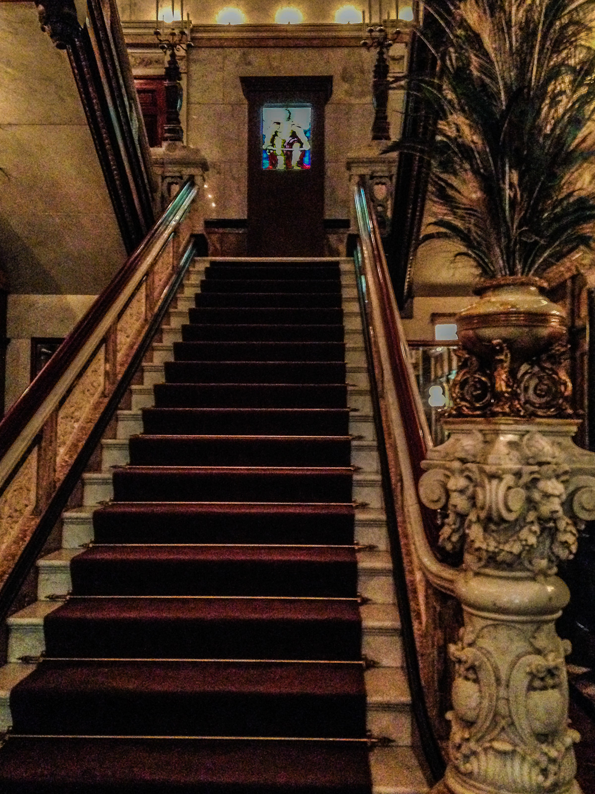 Stairway-Driehaus-Museum-Chicago
