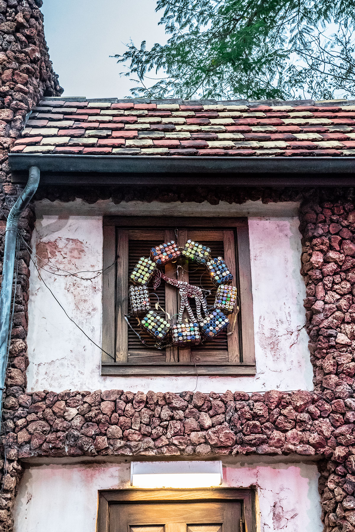 Christmas-Wreath-at-Animal-Kingdom