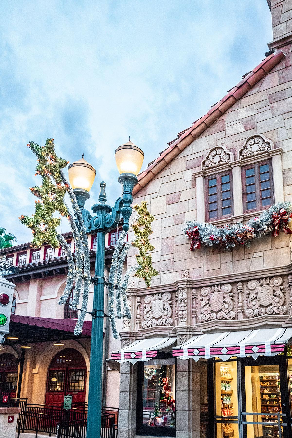 Christmas-details-Hollywood-Studios