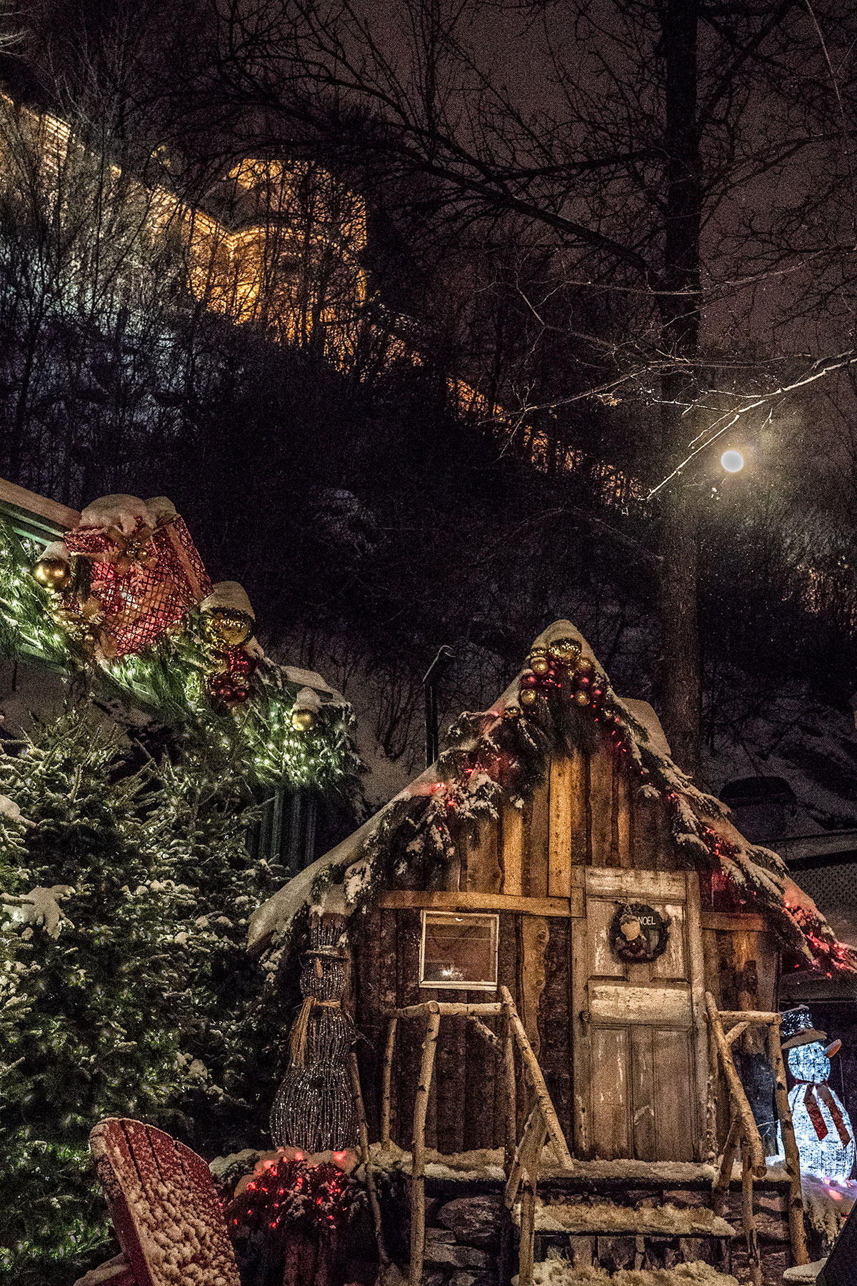 Christmas-in-Quartier-Petit-Champlain-Quebec-City