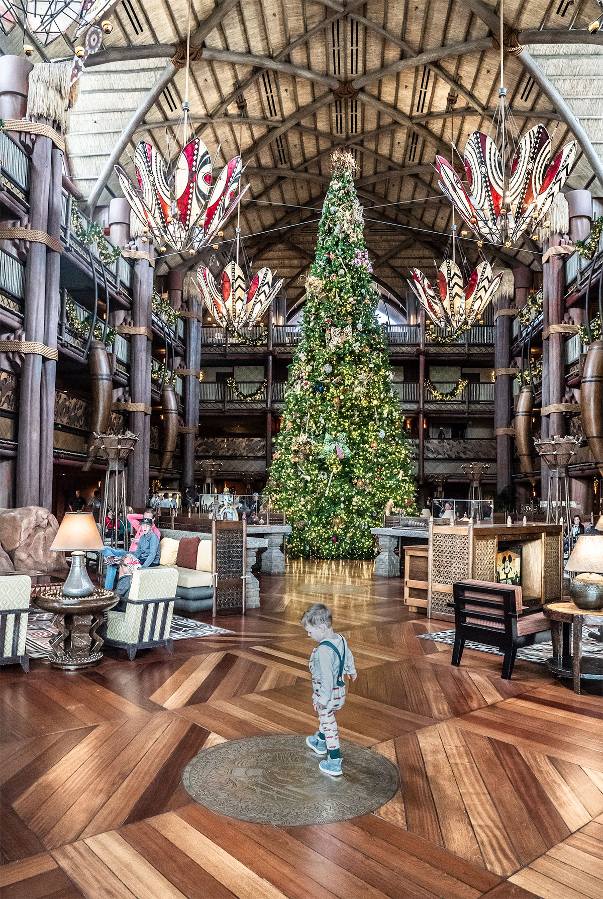 Giant-Christmas-Tree-Lobby-Of-Animald-Kingdom-Lodge-christmas