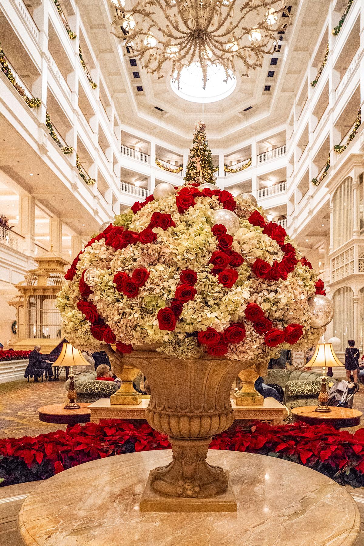 Grand-Floridian-at-Christmas-Walt-Disney-World