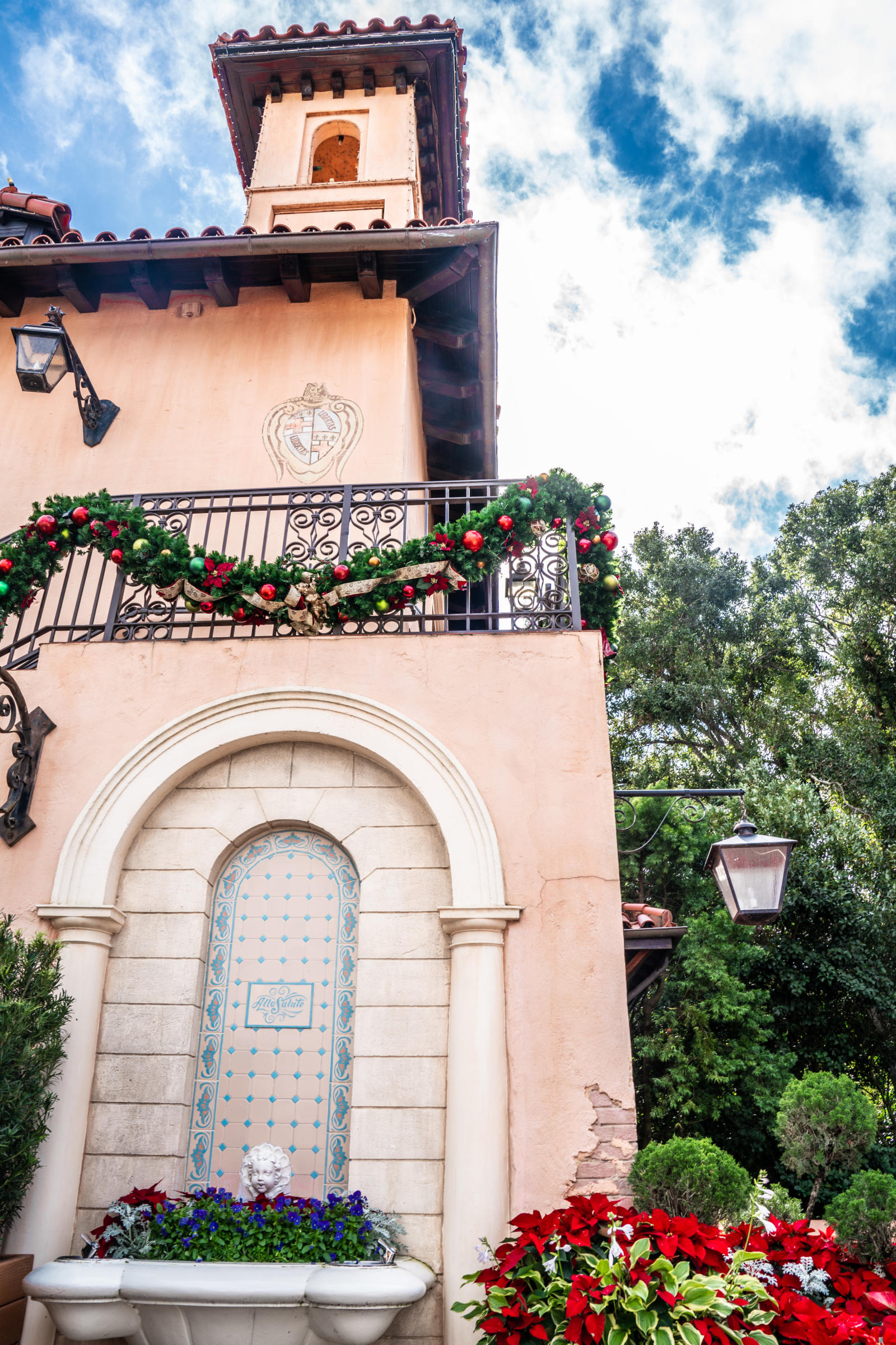 Italy-Pavilion-Christmas-at-Epcot