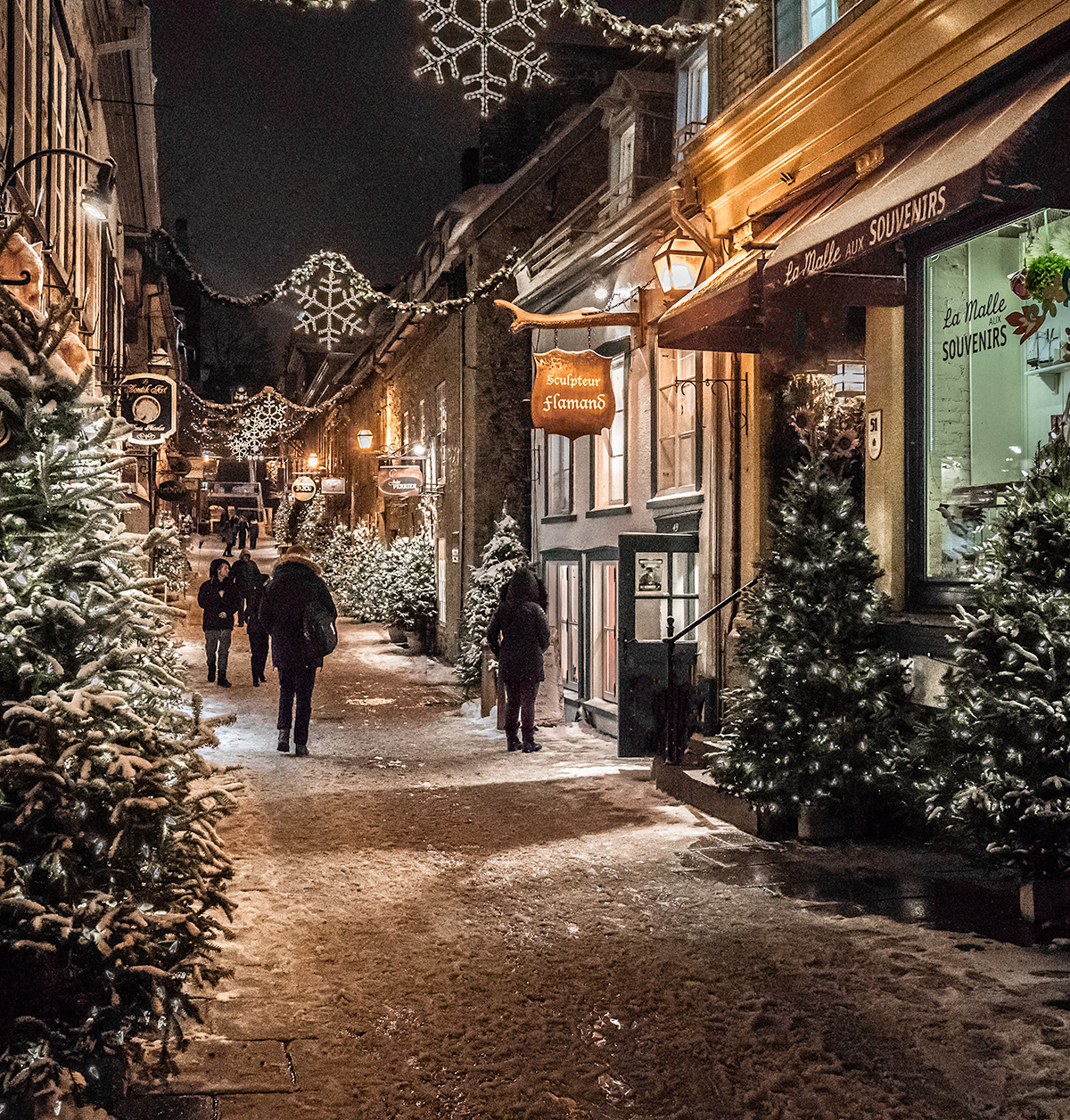 Quartier-Petit-Champlain-Quebec-City-at-Christmas