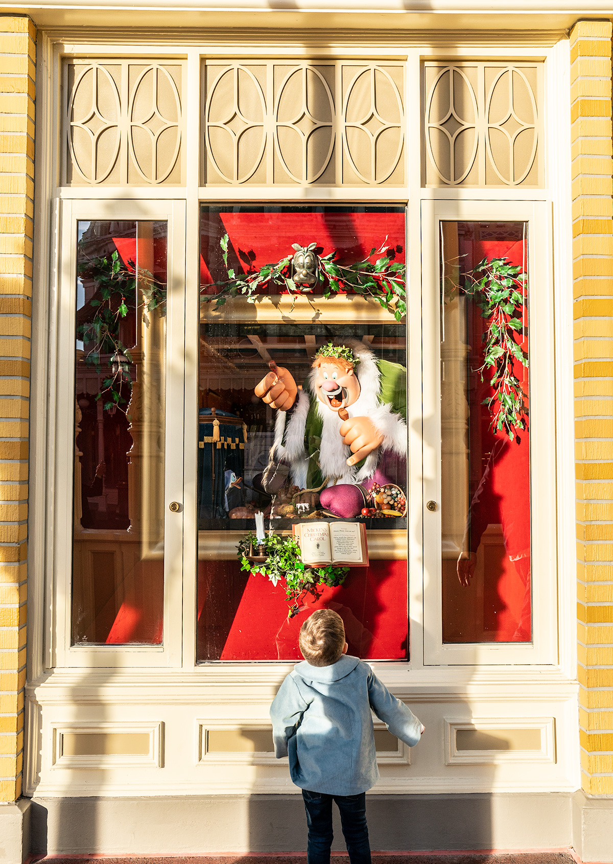 Christmas-Window-Main-Street-Magic-Kingdom