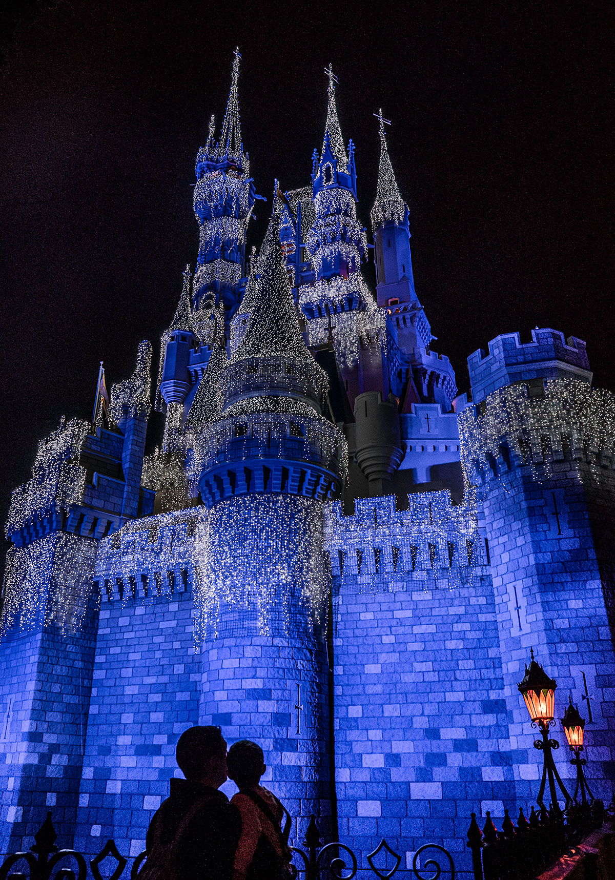 Magic-Kingdom-at-Christmas-Disney-World-Christmas-Series-Part-I