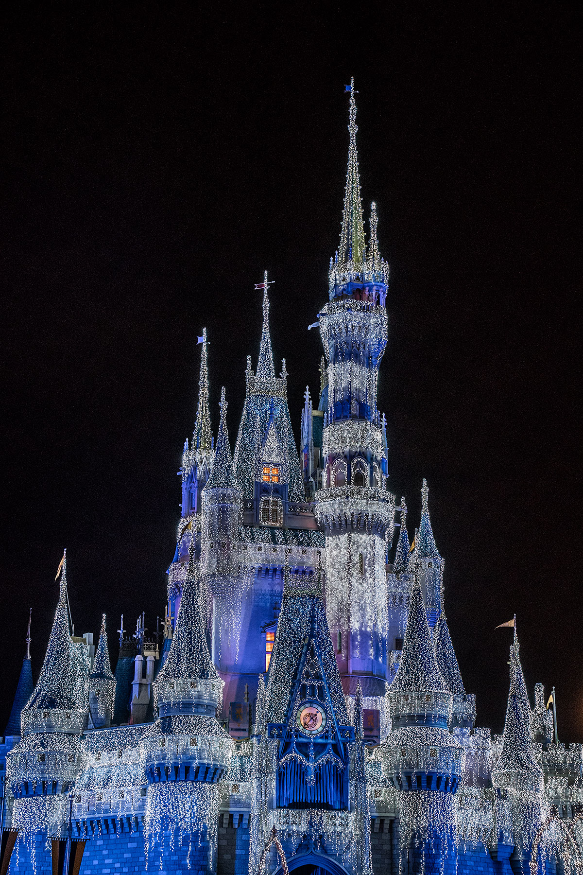 Cinderella-Castle-at-Christmas-Holiday-Walt-Disney-World-Magic-Kingdom