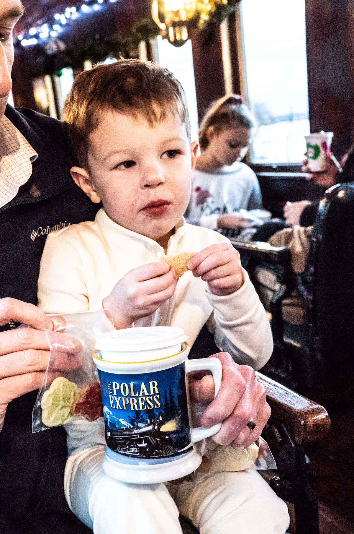 Cookies-and-Cocoa-at-Polar-Express